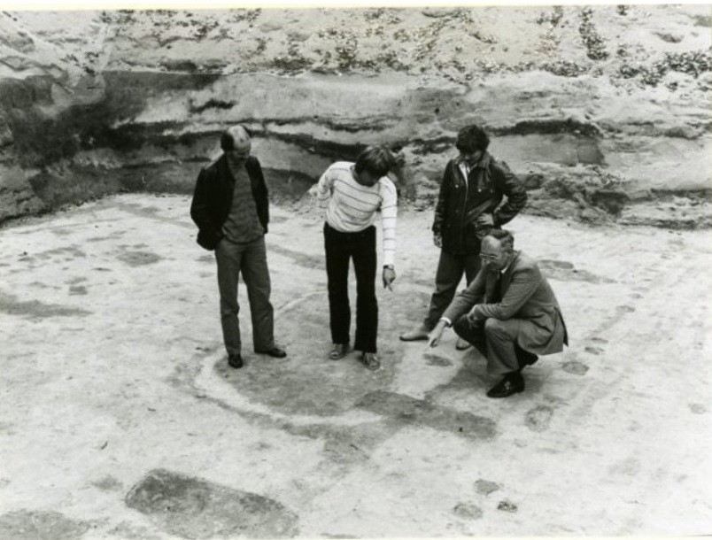 archaeologists 1987